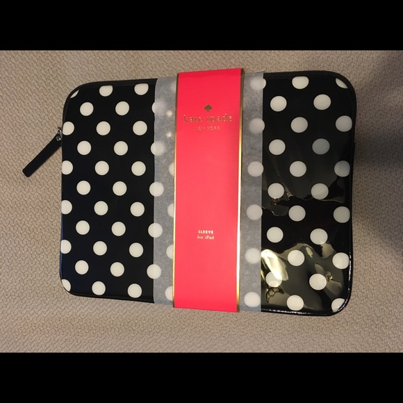 kate spade Handbags - ⭐️NWT Kate Spade IPad Sleeve